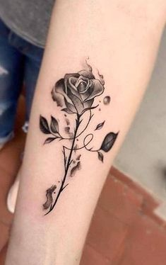 Best Arm Tattoos – Meanings, Ideas and Designs for This Year Part arm tattoo ideas; arm tattoo for girls; arm tattoos for girls; arm tattoos for women; arm tattoos female Source by Girl Arm Tattoos, Foot Tattoos, Body Art Tattoos, Arm Tattoos Of Roses, Tattoo Thigh, Arm Tattoos For Women Forearm, Forearm Tattoos, Tattoo Drawings, Tatoos
