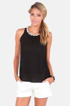 I'm not a big pearl person, but I think this would be perfect to wear to a nice dinner out.