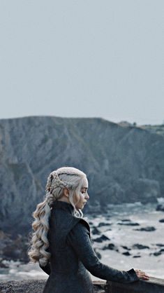 """Daenerys Targaryen, """"The Justice of the Queen"""" Daenerys Targaryen, """"The . - Nagel Kunst - Daenerys Targaryen, """"The Justice of the Queen"""" Daenerys Targaryen, """"The … – - Dessin Game Of Thrones, Game Of Thrones Poster, Game Of Thrones Funny, Emilia Clarke Daenerys Targaryen, Game Of Throne Daenerys, Daenerys Targaryen Aesthetic, Daenerys Targaryen Art, Deanerys Targaryen, Heroes"""