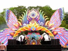 Idea for top of some attachment pieces to make art (here is sample of lotus style) Artescape psytrance deco Wedding Stage Backdrop, Wedding Stage Design, Stage Set Design, Psychedelic Decor, Concert Stage Design, Trance, Goa, Festivals, Burning Man Art