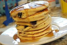 Weight Watchers Recipes With Points Plus - Low Calorie Recipes Online - LaaLoosh Ricotta and blueberry pancakes Ww Recipes, Low Calorie Recipes, Easter Recipes, Cooking Recipes, Healthy Recipes, Pancake Recipes, Cooking Food, Healthy Meals, Delicious Recipes