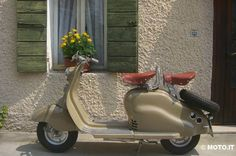 """1950 or 1951 Lambretta LC. Italy. Produced by Innocenti. The LC was the first Lambretta to feature full sized legshields and side panels. The """"L"""" stood for Luxury due to the panel work."""