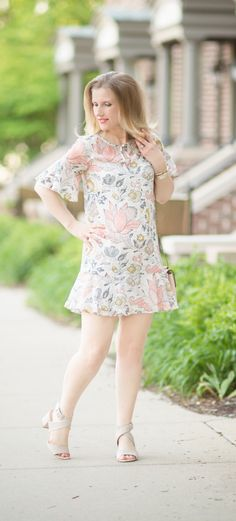 Petite Fashion | Work Style  | Fashion over 40 | Loft | Floral Dress | Spring Dress | Summer Dress