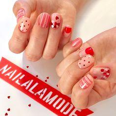 """좋아요 843개, 댓글 3개 - Instagram의 네일어라모드 Nail A La Mode(@nailalamode)님: """"- ❤️하트는사랑 - #네일어라모드 #heartnails #네일글리터 #❤️ #예쁜네일 #네일스타그램 #naildesigns #빨강 #강동구네일"""" Korean Nail Art, Korean Nails, Gel Nail Designs, Cute Nail Designs, Pretty Nail Art, Cool Nail Art, Tape Nail Art, Gel Nails, Nail Polish"""