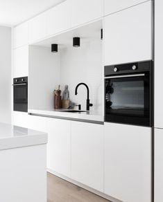 Kitchen Room Design, Kitchen Dinning, Kitchen Layout, Kitchen Interior, Home Interior Design, Kitchen Rules, Home Kitchens, Ideas, Kitchen Designs