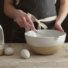 This simple, gracefully couped bowl serves as a foundation in any working kitchen. Mixing ingredients, rising dough, or just holding fruit, this vessel functions while standing out as a special handma