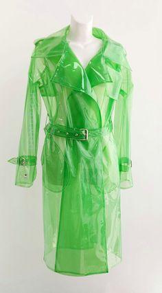 Clear Raincoat, Green Raincoat, Vinyl Raincoat, 00s Fashion, Ladies Fashion, High Fashion, Womens Fashion, Stylish Raincoats, Young Thug