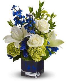 Blue Flower Arrangements, Flower Vases, Blue Flower Centerpieces, Diy Centerpieces, Wedding Arrangements, Table Arrangements, Cactus Flower, Table Decorations, Floral Wedding