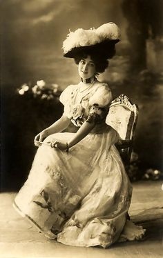 Saharet, an Australian dancer who made her New York City debut in February 1897. She performed in vaudeville music houses as well as in Broadway productions. Her given name was Clarissa Campbell or Clarice Campbell, born in either Melbourne or Ballarat.