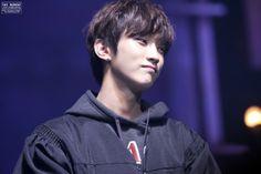Jinyoung<3