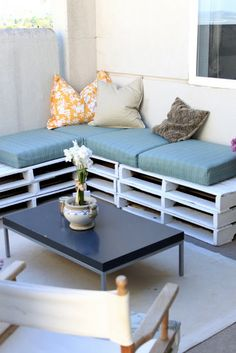 Zone B - White Pallets Cushions (pallets are free from gumtree)