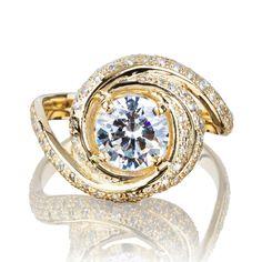 Explora artículos únicos de JewelryEscorial en Etsy, un mercado global de productos hechos a mano, vintage y creativos.