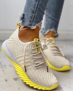 Colorblock Knitted Breathable Lace-Up Yeezy Sneakers - Mode - Yeezy Sneakers, Moda Sneakers, Sneakers Mode, Casual Sneakers, Sneakers Fashion, Fashion Shoes, Shoes Sneakers, Nike Shoes, Yeezy Fashion