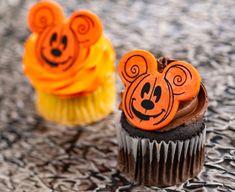 Fall Treats At Walt Disney World Disney World News, Walt Disney World, Fall Treats, Hollywood Studios, Disney Food, Epcot, Magic Kingdom, Mickey Mouse, Animal Kingdom