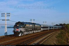 RailPictures.Net Photo: NYC 2013 New York Central EMD FL9 at Scarborough, New York by Carl Perelman Train Car, Train Tracks, Railroad Industry, New York Central Railroad, Train Posters, Railroad Photography, Covered Wagon, Train Pictures, Train Engines