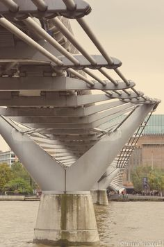 Millennium Bridge - Tabiboo blog