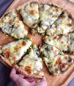 Image may contain: food Mini Cheesecakes, Turkish Recipes, Vegetable Pizza, Tart, Brunch, Food And Drink, Veggies, Vegetarian, Yummy Food