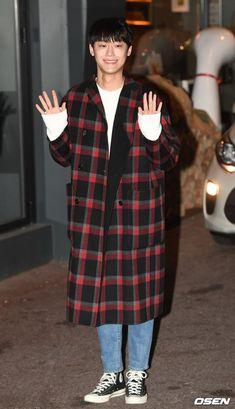 Lee Do-hyun (이도현) - Picture @ HanCinema :: The Korean Movie and Drama Database Korean Male Actors, Asian Actors, Lee Shin, Kim Dong, Lee Jong Suk, Japanese Men, Kdrama Actors, Asian Men, Actors & Actresses