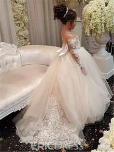 b25aaf187a Cute Long Sleeves Ball Gown Flower Girl Dresses With Bow 2018 Vintage PLus  Size Wedding First Communion Dresses