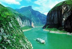 A Cruise on the Yangtze River in China is a once in a lifetime experience