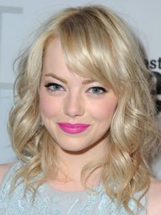 Emma Stone is my girl crush. I always love how she does her makeup. I was a bit heartbroken when she went blonde but this style is definitely growing on me. The hair, the makeup: she looks absolutely gorgeous.