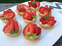 Czech Recipes, Cheesecakes, Food And Drink, Cupcakes, Dishes, Cookies, Baking, Fruit, Sweet