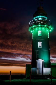 Fremantle Lighthouse Sunset, Perth, a Western Australia Lighthouse Lighting, Lighthouse Pictures, Perth Australia, Western Australia, Australia Funny, Wind Surf, Beacon Of Light, Light Of The World, Am Meer