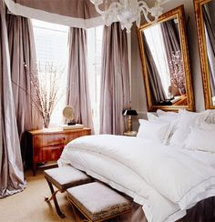 Very cozy luxurious bedroom. Never would've thought to design a bedroom like this but it's gorgeous !
