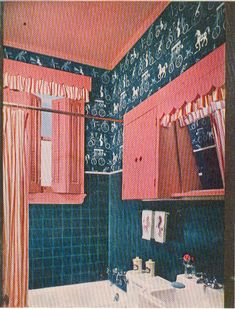 Home Decoration Living Room Flat Interior, Classic Interior, Interior Doors, Vintage Interiors, Colorful Interiors, Kitsch, Vintage Bathrooms, Pink Bathrooms, 1950s Bathroom