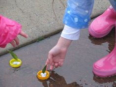 Bottle Top Leaf Boats - something else to do on a rainy day with a puddle Outdoor Learning, Kids Learning, Outdoor Play, Outdoor Games, Hands On Activities, Activities For Kids, Weather Activities, Indoor Activities, Forest School Activities