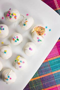 NO BAKE CAKE BATTER BALLS This no bake cake batter balls recipe is