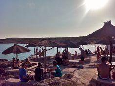 Playa de Binibeca, chiringuito los Bucaneros, Menorca Jewel, Spanish, Patio, Island, Holidays, Outdoor Decor, Beach Bars, Calla Lilies, Traveling
