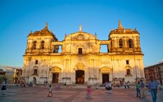 1 León Hot sun, colossal cathedral and a revolutionary past    2 Granada A tourist-friendly colonial jewel    3 San Juan del Sur  Surf by day, party...