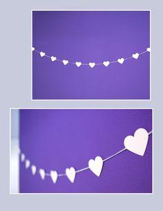 Weisse Herzgirlande für Hochzeiten und andere Feste Pearl Necklace, Pearls, Jewelry, Paper, Garlands, Flowers, Deco, String Of Pearls, Jewlery