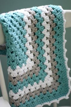 Modern Baby Blanket Granny Square Baby by DaisyCottageDesigns mi like this color combo and small size for carseat, stroller. I know someone having a baby soon and I happen to have yarns in my stash to match their carseat, gray, lime green.  May or may not add white.