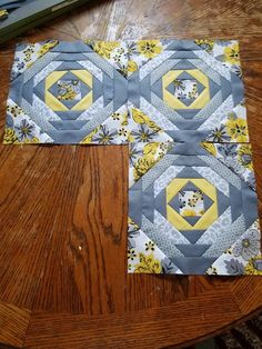 Pineapple block in yellows & grays For the day when I have lots of left-over binding Cute Quilts, Scrappy Quilts, Mini Quilts, Pineapple Quilt Pattern, Pineapple Quilt Block, Paper Piecing Patterns, Quilt Block Patterns, Quilt Blocks, Log Cabin Quilt Pattern