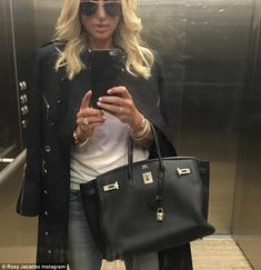 She's known for her love of extravagant accessories, and it appears that Roxy Jacenko's collection of luxury Hermes Birkin bags numbers at least thirty, and counting. 30 Outfits, Spring Outfits, Fashion Outfits, Cool Style, My Style, Hermes Birkin, Birkin Bags, Hermes Handbags, Cute Fashion