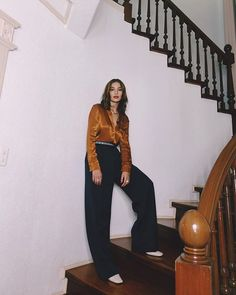 giving us major throwback vibes with this look! Repost from Kelsey Merritt, Suits, Manila, Instagram, Style, Fashion, Swag, Moda, Fashion Styles