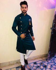 Mens Indian Wear, Indian Groom Wear, Indian Men Fashion, Mens Fashion Wear, Man Fashion, Kurta Pajama Men, Kurta Men, Mens Sherwani, Wedding Dresses Men Indian