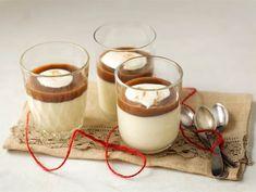 Jouluinen panna cotta Christmas Desserts, Holiday Treats, Christmas Baking, Panna Cotta, Finnish Recipes, Slow Food, Food Inspiration, Sweet Recipes, Yummy Treats