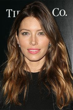 "Everyone, stop what you're doing, Blake Lively has gone brunette -- or should we say, ""bronde. Long Layered Haircuts, Haircuts For Fine Hair, Hairstyles Haircuts, Cool Hairstyles, Layered Hairstyles, Hairstyle Ideas, Braided Hairstyles, Night Hairstyles, Jessica Biel"