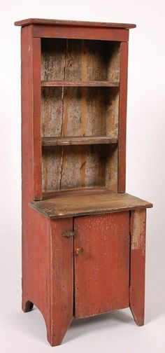 primitive homes decorated for christmas Primitive Cabinets, Primitive Furniture, Country Furniture, Vintage Furniture, Painted Furniture, Primitive Homes, Primitive Antiques, Country Primitive, Primitive Quilts