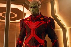 Martian Manhunter has been a key player on Supergirl for most of the series. Now, David Harewood has revealed what& especially challenging about playing his character. Kara Danvers Supergirl, Supergirl 2015, David Harewood, Blue Beetle, Dwayne The Rock, Martian Manhunter, Black Lightning, Pokemon Cosplay, Dc Movies