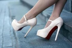 are these white louboutin pumps? Cute Shoes, Me Too Shoes, Pretty Shoes, Stilettos, Stiletto Heels, Talons Sexy, Shoe Boots, Shoes Heels, Strap Heels