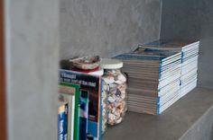Earthcote Iron Paint #PaintSmiths #decor #books #homedecorideas Art Techniques, Will Smith, Street Art, Iron, Wall Art, Books, Painting, Home Decor, Livros