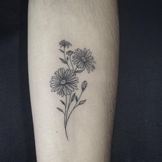 50 Small and Delicate Floral Tattoo Ideas – Brighter Craft flower tattoos - small flower tattoos - f Aster Tattoo, Aster Flower Tattoos, Birth Flower Tattoos, Small Flower Tattoos, Sunflower Tattoos, Flower Tattoo Designs, Small Tattoos, Cool Tattoos, Daisies Tattoo