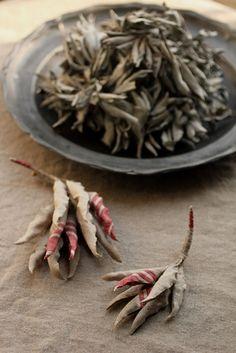 ホワイトセージ コサージュ | White Sage Corsage - Antique Linen | IRRE
