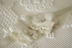 Wedding Details: Lace Flowers..pleated sugar flower tutorial