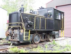 RailPictures.Net Photo: WVC 39 West Virginia Central Railroad Plymouth switcher at Belington, West Virginia by Zach Marlow