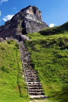 Maya Ruin Xunantunich In Belize